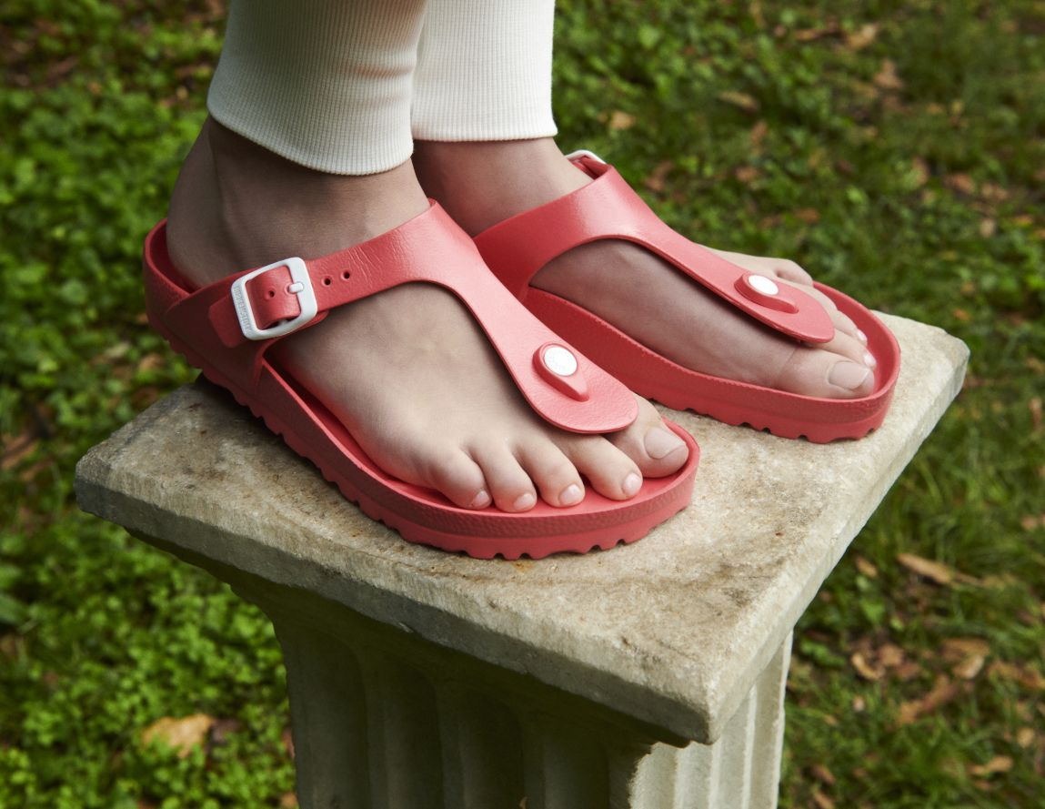 c6758330938f ... Preview  Birkenstock Gizeh Red EVA
